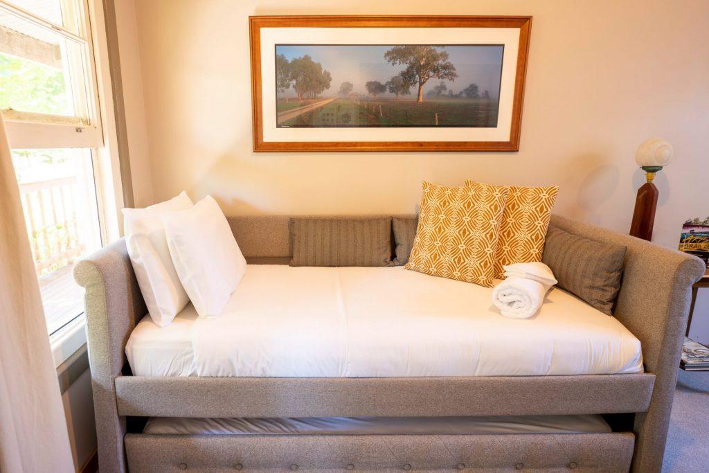 Barwon single beds