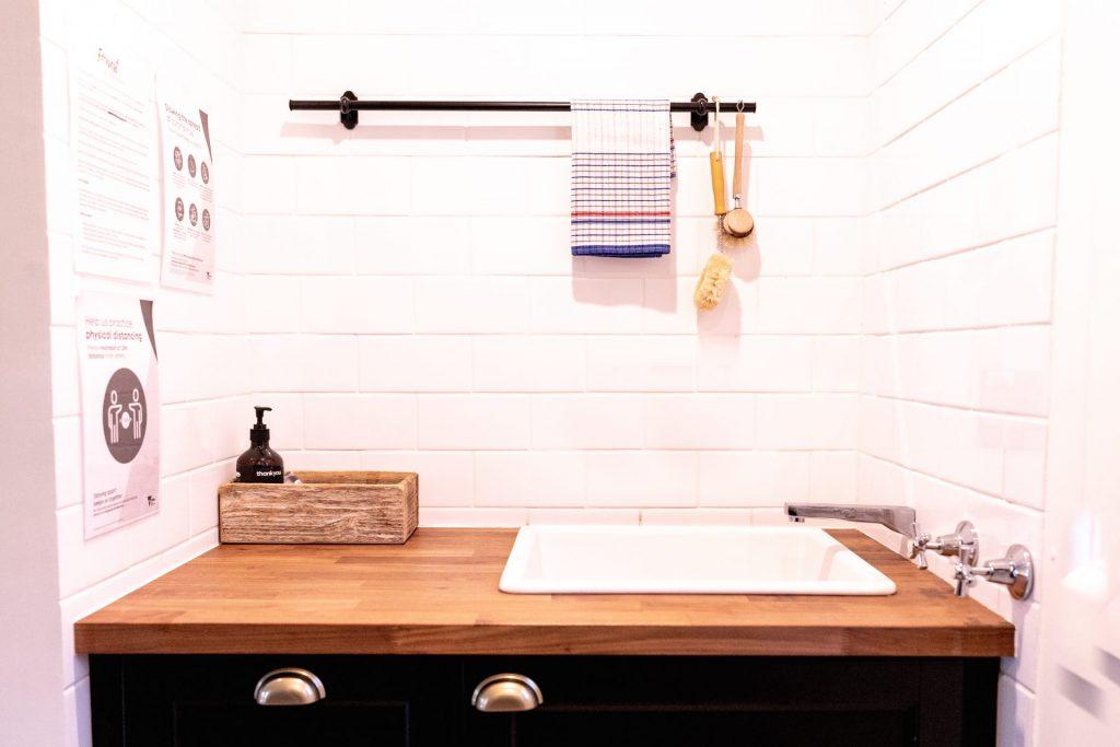 Otways sink, Forrest Guesthouse