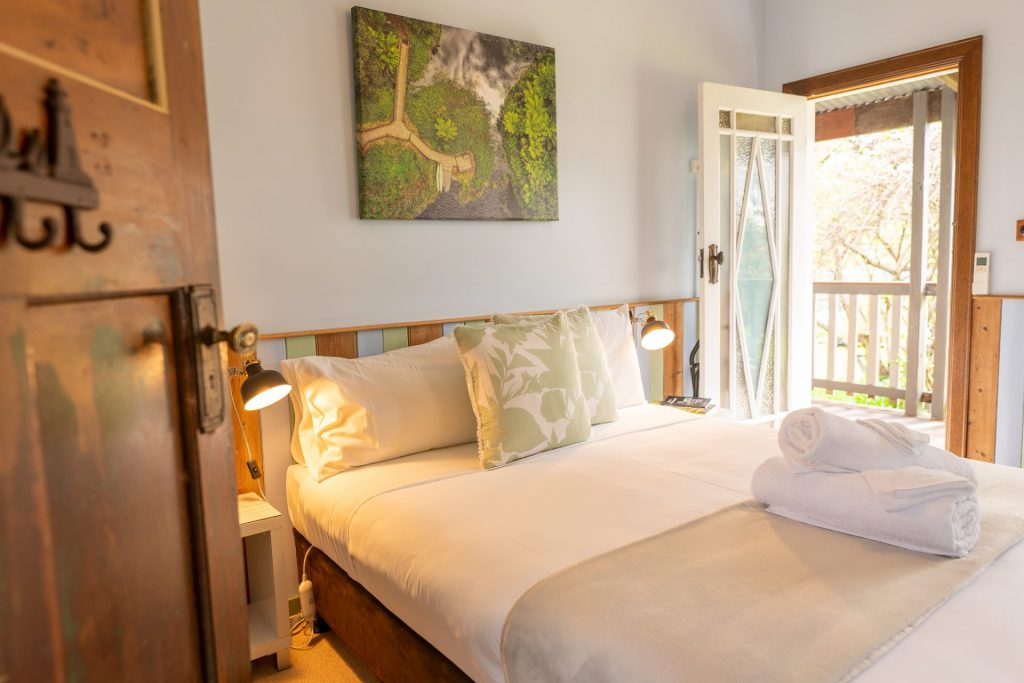 Lake Elizabeth Suite, Forrest Guesthouse self-contained accommodation Otways