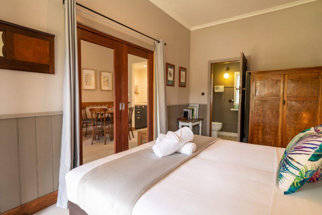 Doors close between main bedroom and lounge